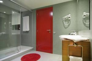 Hotel Acta Ink 606 bathroom