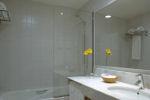 Hotel Arc La Rambla Superior bathroom