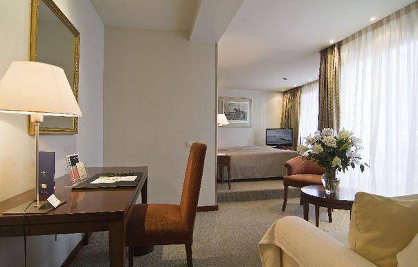 Hotel Balmoral bedroom