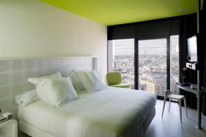 Hotel Barcelo Raval bedroom