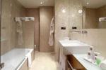 Hotel Barcelona Catedral bathroom