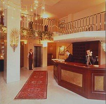 Hotel Caledonian lobby