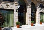 Hotel Duquesa de Cardona entrance