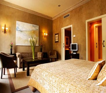 Hotel Duquesa de Cardona junior suite