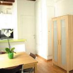 Apartments FG Barceloneta table
