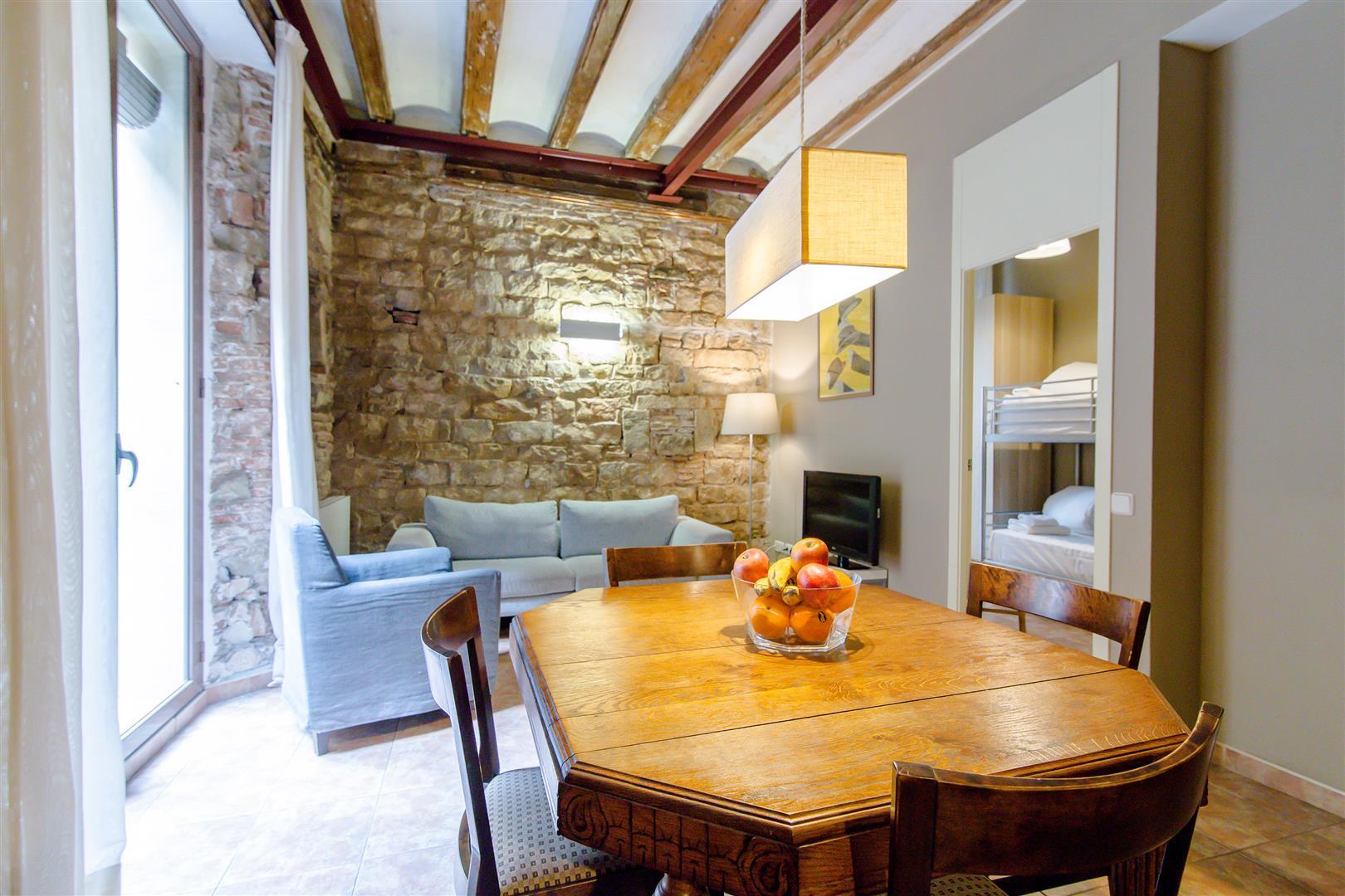 Apartments Decimononico table
