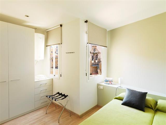 FG Plaza Catalunya Bedroom