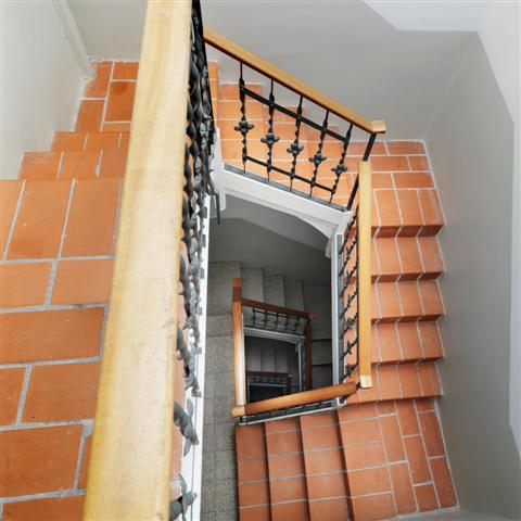 FG Plaza Catalunya Stairwell