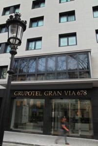 Hotel Gran Via 678 entrance