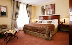 Hotel Majestic bedroom