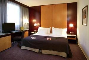 Hotel Silken Ramblas bedroom